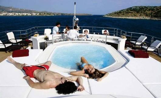 rm elegant luxury charter2 5 luksusowych jachtów