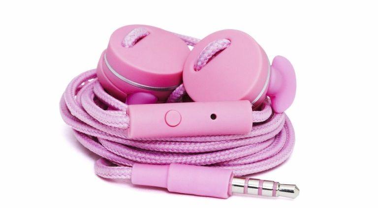 Kolorowe słuchawki na wiosnę