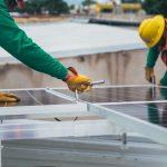 Panele fotowoltaiczne  - inwestycja w energooszczędnym domu