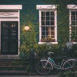 Jak drzwi zewnętrzne wpływają na wygląd domu