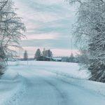 Zimowa podróż – jak przygotować się na trudną drogę